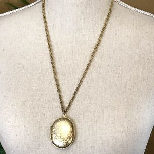 Large Vintage Picture Locket Necklace Gold